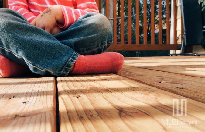 Apa Manfaat Memasang Decking Kayu di Rumah?